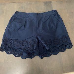 Scalloped detail navy shorts